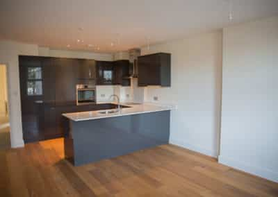 Kitchen Fitting - Kitchen fitting and decorating in new built apartments